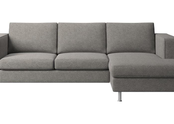 chaise longue de tres plazas en color gris